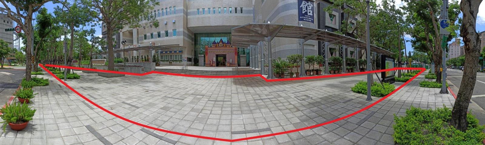 臺北市立天文科學教育館前門廣場、臺北市立天文科學教育館後門廣場